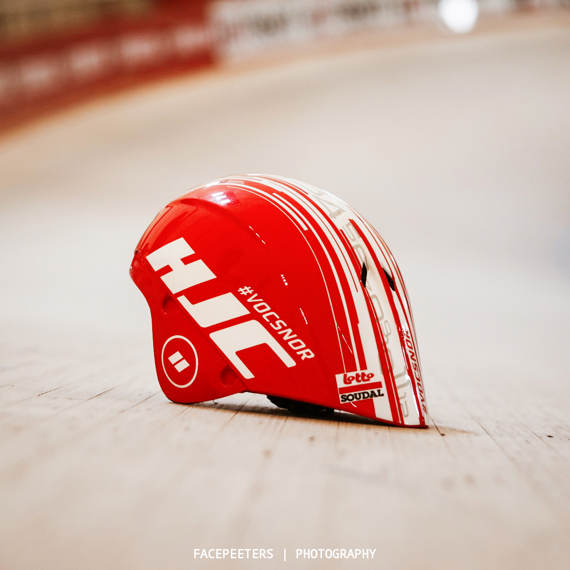 Helmet of Victor Campenaerts for the hour record on the track